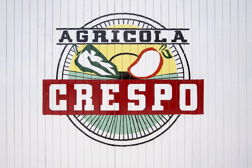 "<a class=""wonderplugin-gridgallery-posttitle-link"" href=""http://www.underthemangotree.crespoorganic.com/2019/05/22/empaque-don-jorge-agricola-crespo/"" target=""_blank"">Empaque Don Jorge (Agricola Crespo)</a>"