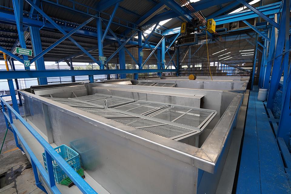 DSC00547edj stainless steel hot wateer bath tanks copy