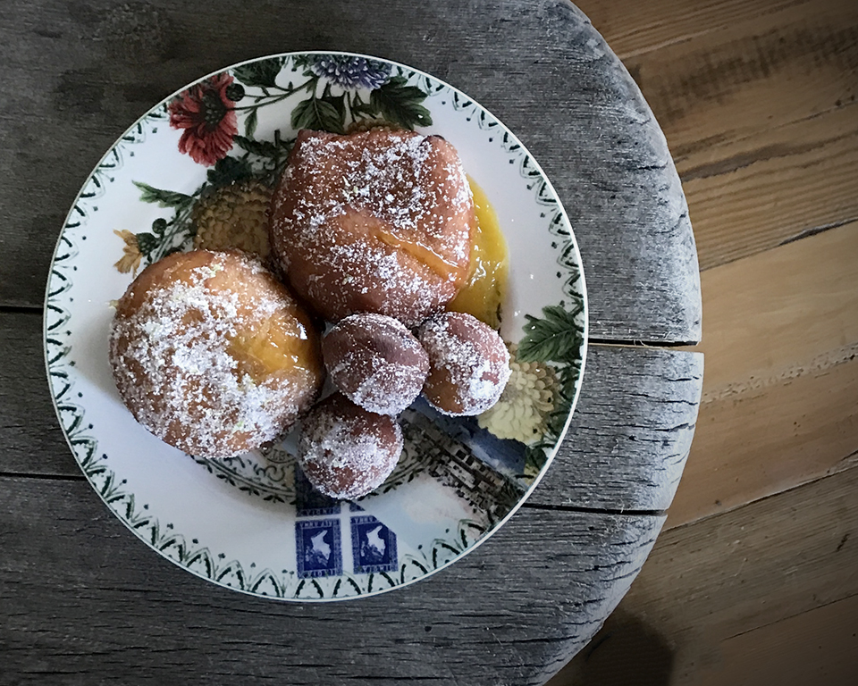 "<a class=""wonderplugin-gridgallery-posttitle-link"" href=""https://www.underthemangotree.crespoorganic.com/2018/12/19/mango-jelly-doughnuts/"" target=""_blank"">Mango Jelly Doughnuts</a>"
