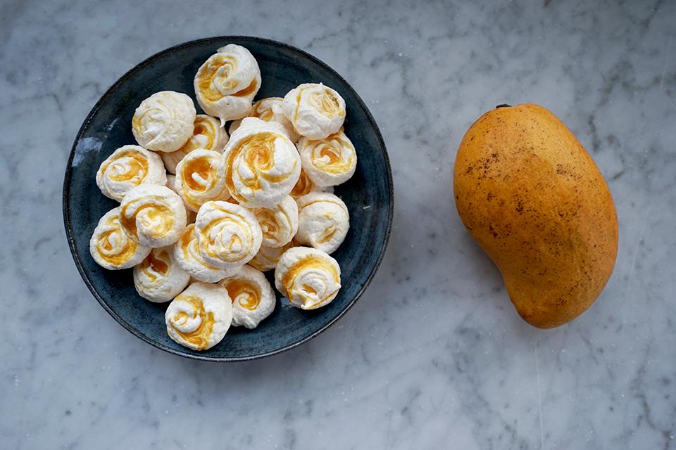 "<a class=""wonderplugin-gridgallery-posttitle-link"" href=""https://www.underthemangotree.crespoorganic.com/2020/03/30/ataulfo-swirl-meringue-cookies/"" target=""_blank"">Ataulfo Swirl Meringue Cookies</a>"